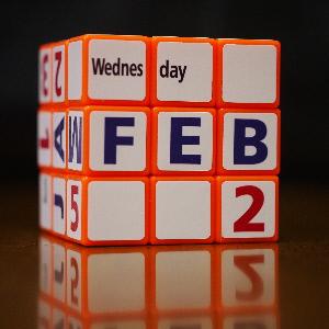Calendar Cube English
